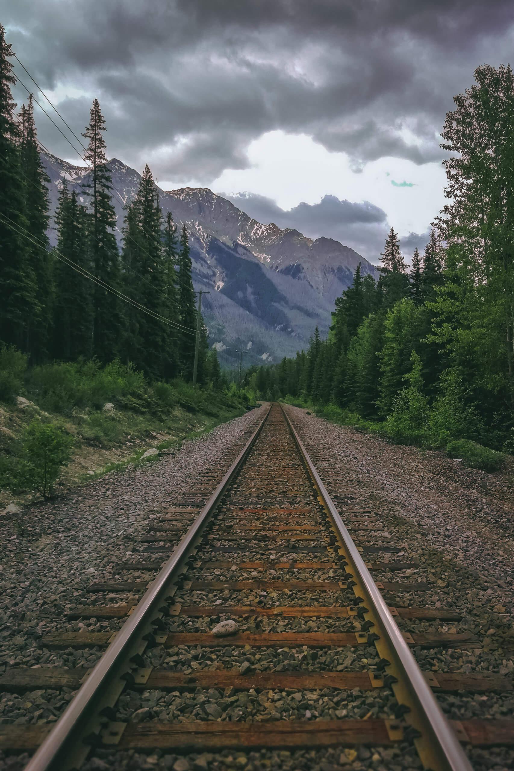 Überquerung der Bahngleise auf dem Weg zum Mt. Hunter Lookout