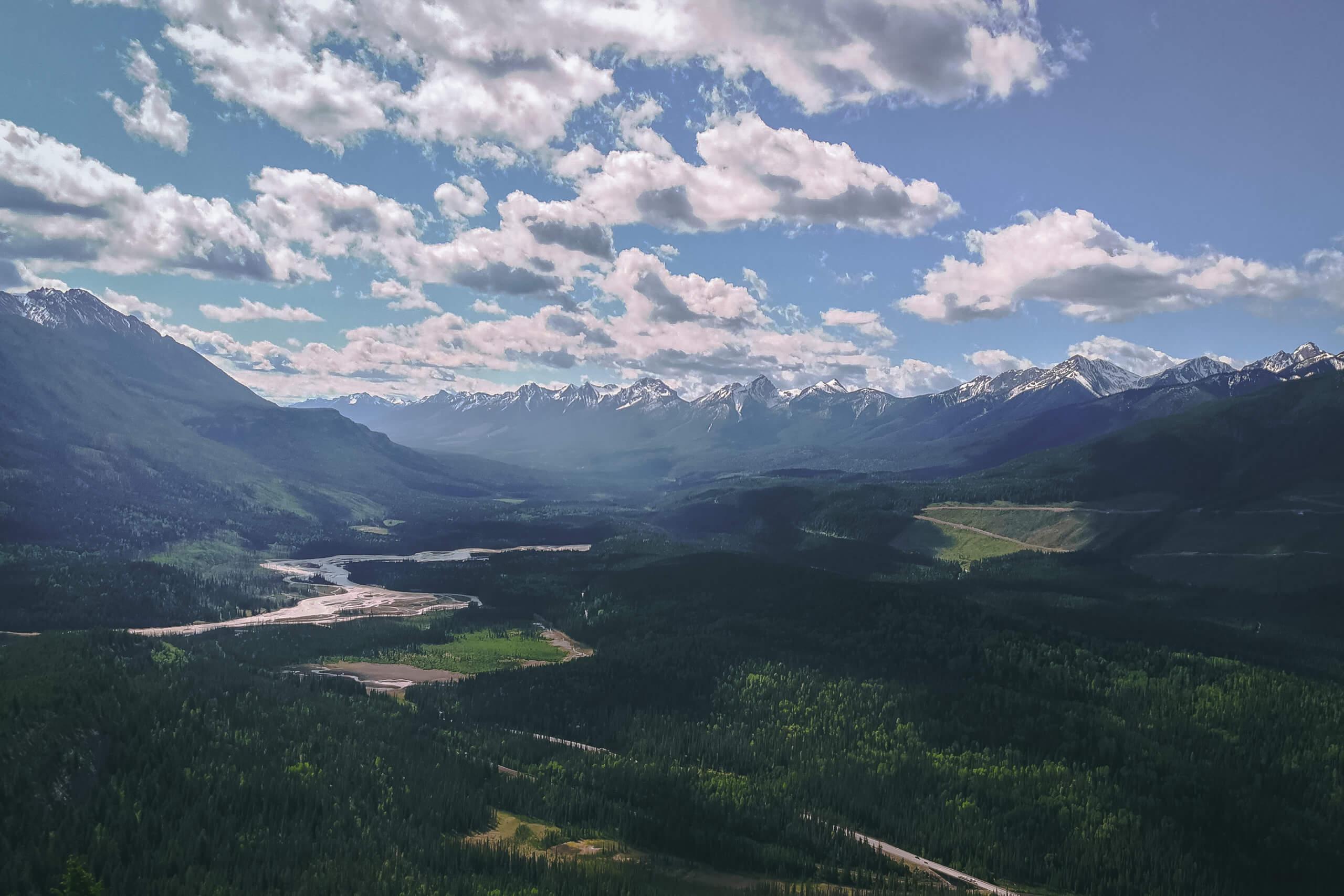 Ausblick Kicking Horse und Beaverfoot River Valley
