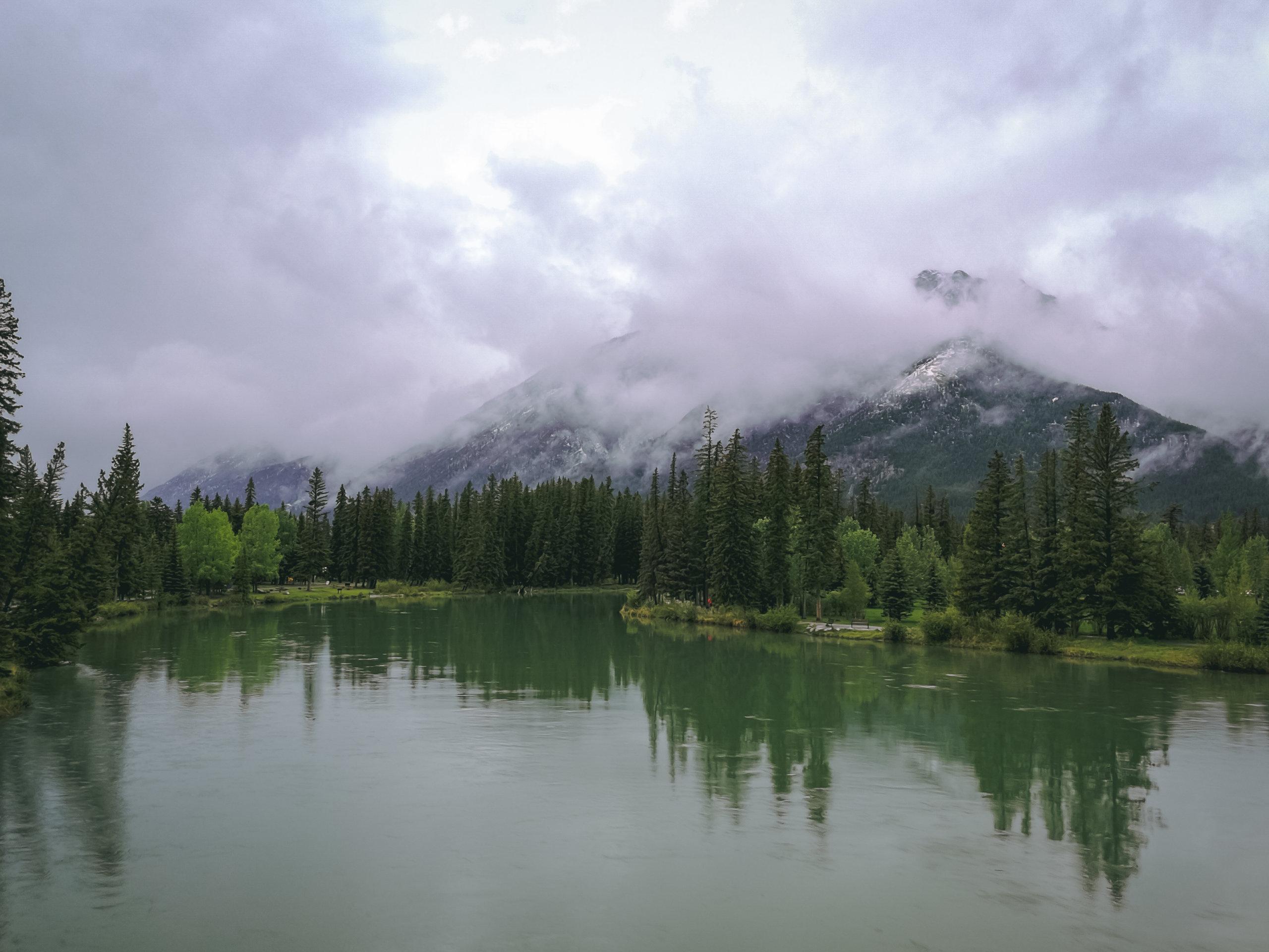 Blick auf den Two Jack Lake bei Banff