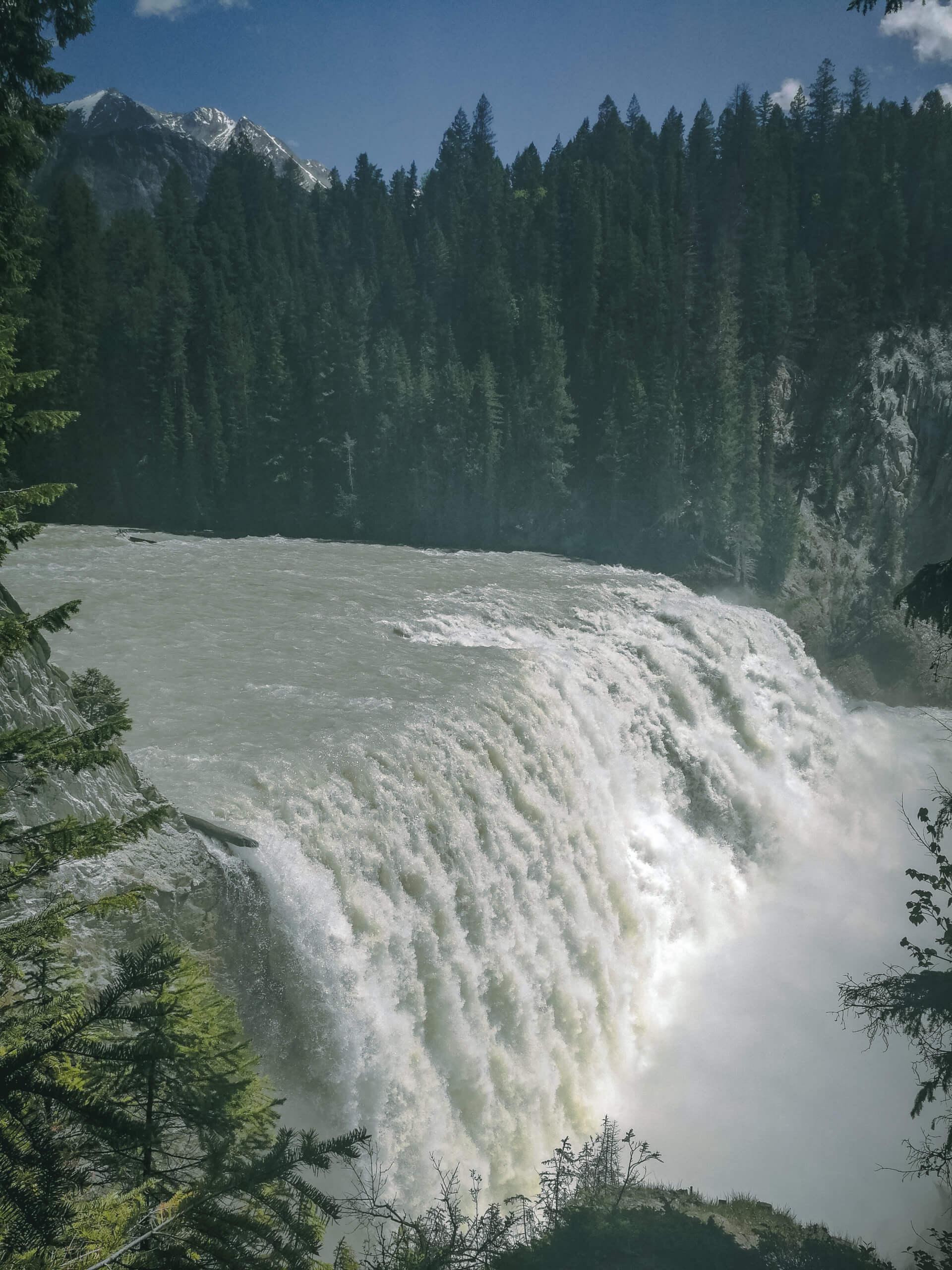 Wapta Falls seitlich fotografiert