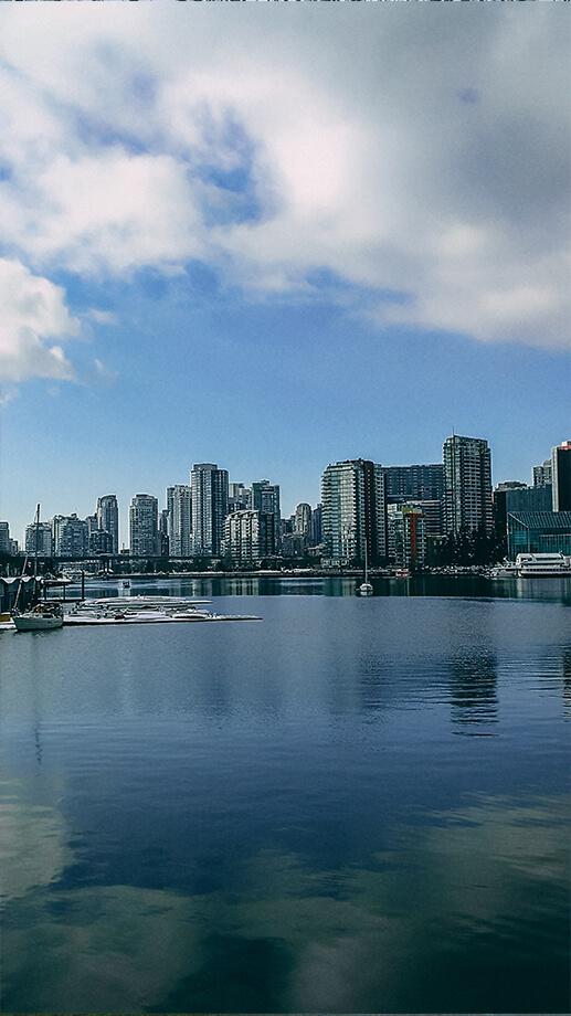 Skyline Vancouver aus Sicht Science World