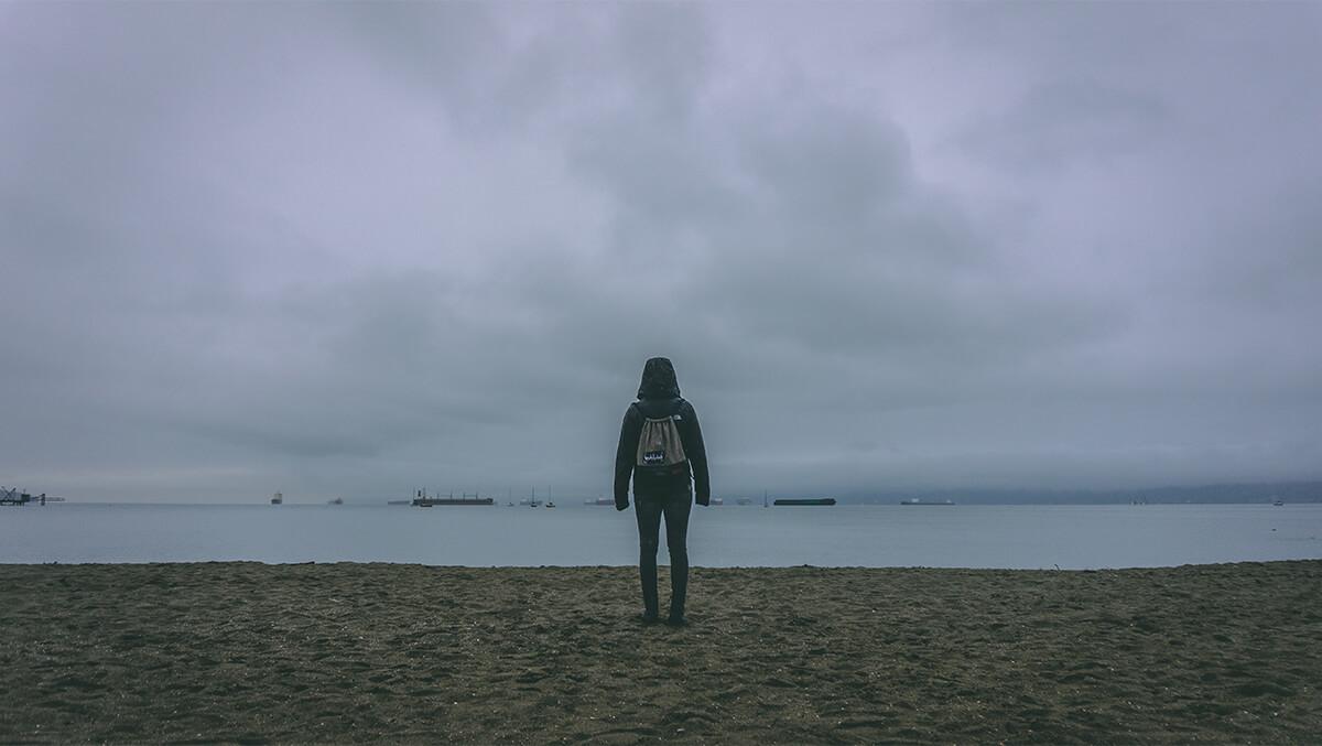 Kitsilano Beach - Person von hinten am Strand
