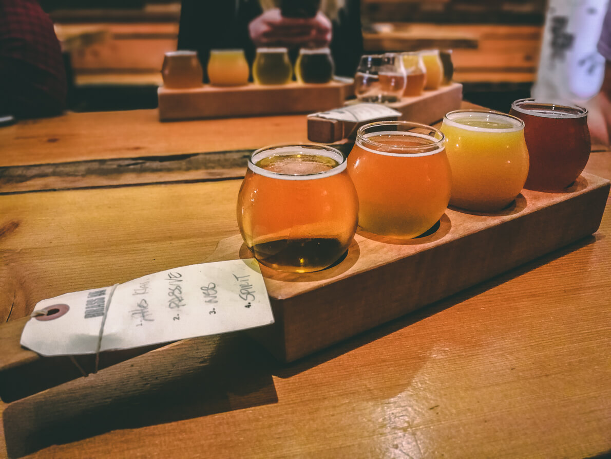 Flight in der Brassneck Brewery