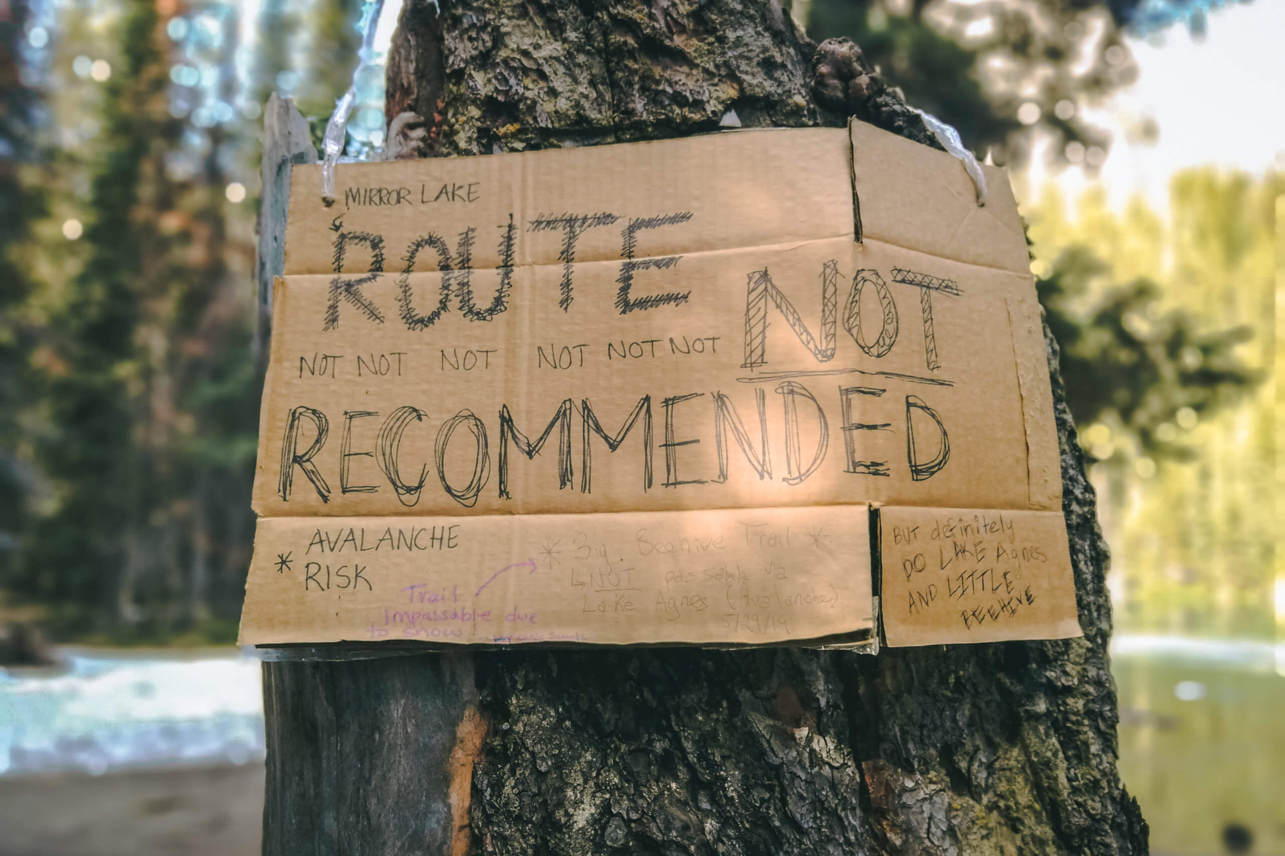 """Schild """"route not not not recommended"""""""