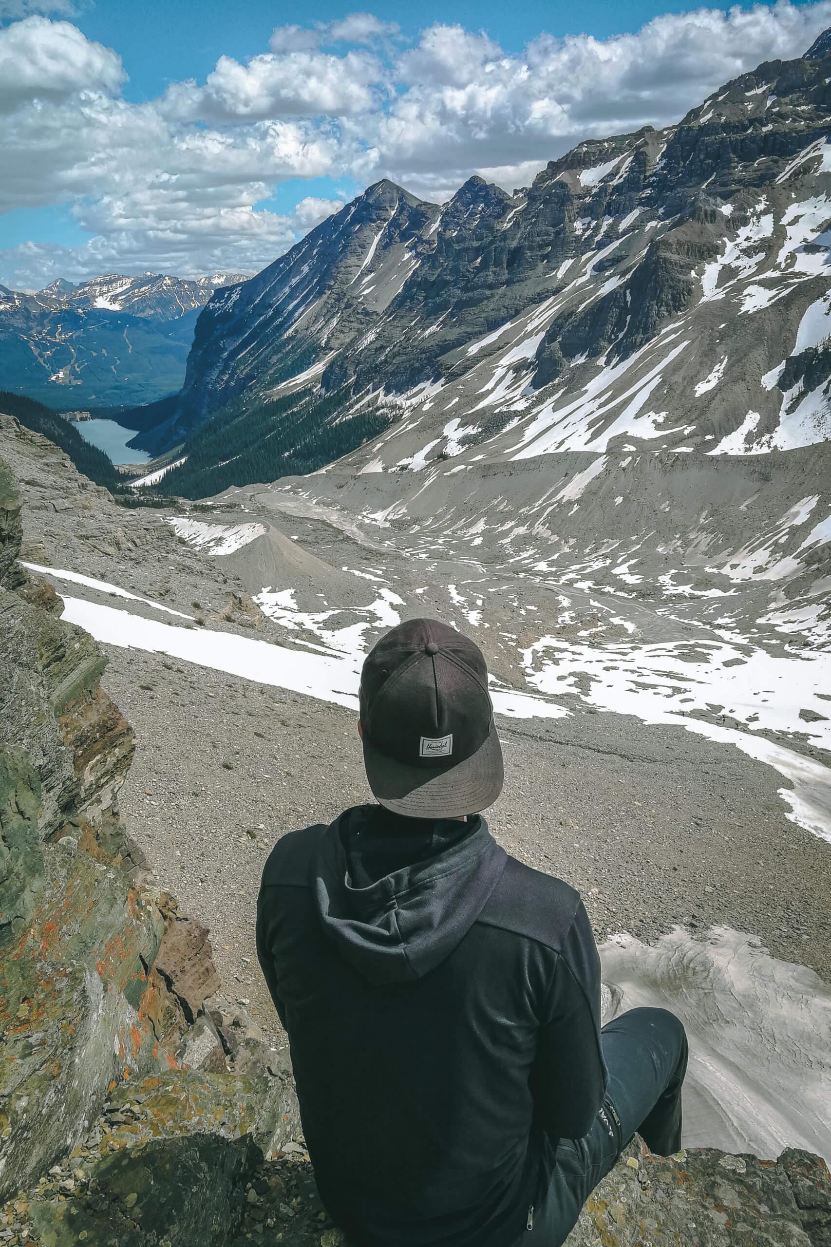 Blick auf den Lake Louise vom Aussichtspunkt