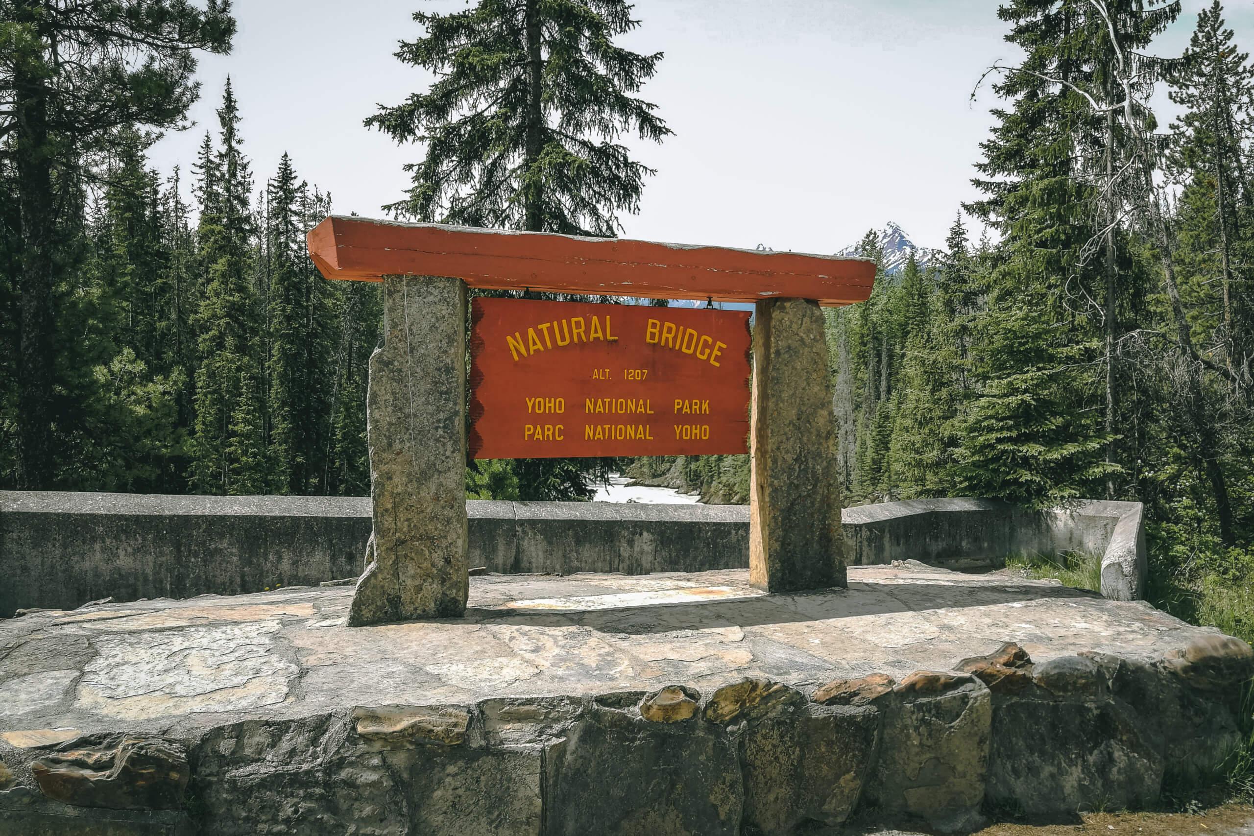 Schild Natural Bridge Yoho National Park