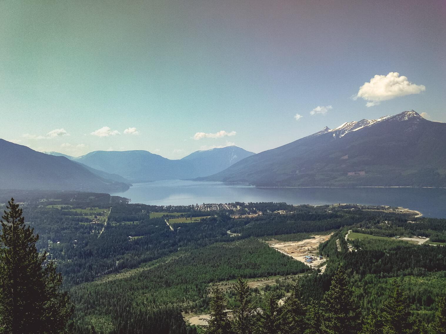 Blick vom 1. Viewpoint auf den Arrow Lake